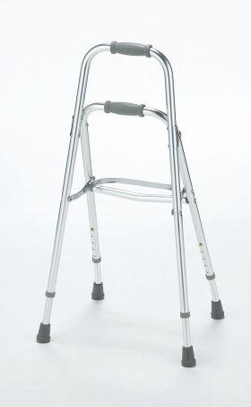 杖では不安、片手しか使えない方でも安定して歩行できる『サイドステッパーFB』