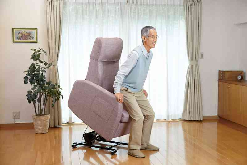 立ち上がり補助ができる椅子「リフトアップチェア400N」の画像