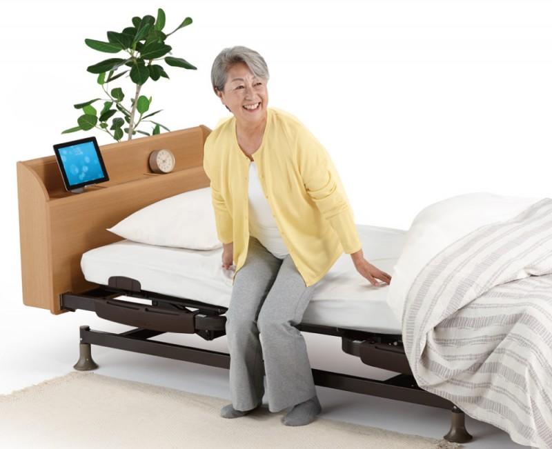 立ち上がりが楽な介護ベッド リハテックベッド RE03Cの画像