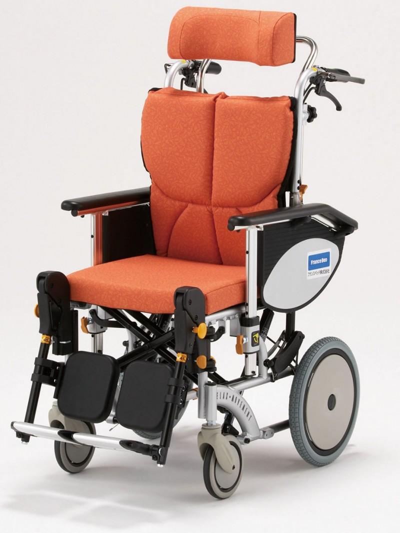 座位姿勢を保持したままリクライニングできる。オアシスFB  OS-12TRFBの画像