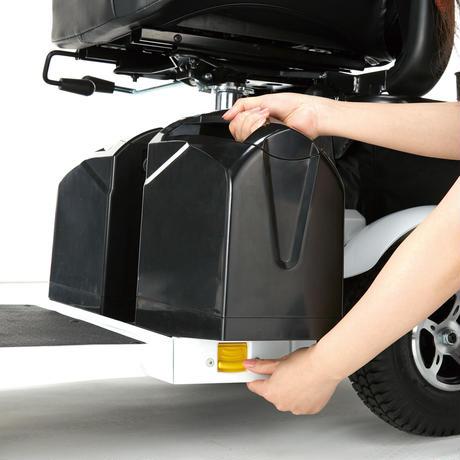 免許なしで乗れる!ハンドル形電動車いす S747の画像