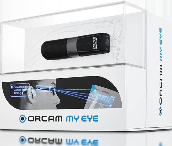 眼鏡につけるだけで活字を読み上げてくれる、AI 視覚支援機器『オーカム マイリーダー2』(OrCam MyReader 2)の画像