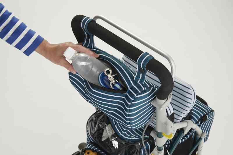 座れるペットカート ラクティブペット(シルバーカー仕様)の画像